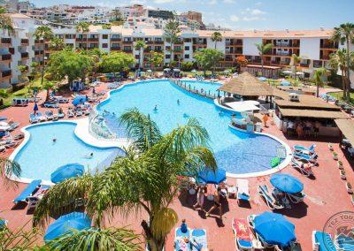 globales-tamaimo-tropical-piscina-hamacas_6831