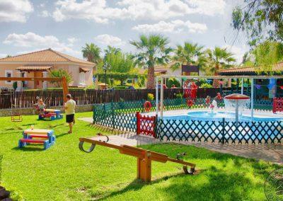12_kids_playground_6655