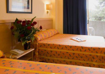 BMEDITERRANEO_standard_room_3550
