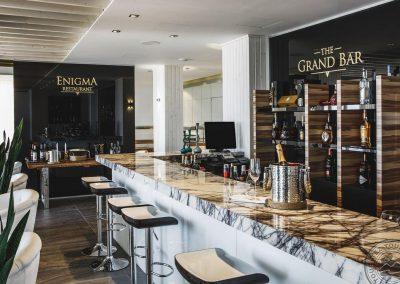 The_Grand_Bar__2__8811